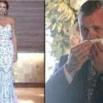 O noivo surdo observa confuso que a noiva não caminha até ao altar – começa a chorar quando ela levanta a mão
