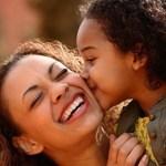 Cientistas descobriram que os filhos herdam a inteligência apenas e só da mãe