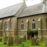 Igreja de 1790 está abandonada há 20 anos, até que um casal se muda para lá e a deixa irreconhecível