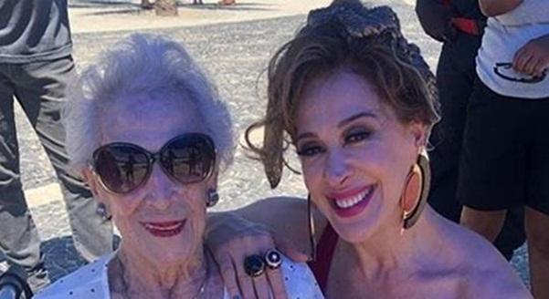 """Claudia Raia lamenta morte da mãe aos 95 anos: """"Verdadeiro amor"""""""