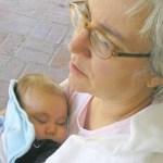 Avó troca o nome do neto enquanto a nora estava internada no hospital depois de uma cesariana