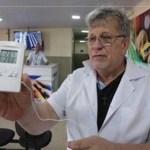 Médico reforma posto de saúde com recursos próprios para amenizar sofrimento de pacientes