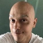 O ator Léo Rosa cria 'vaquinha online' para continuar tratamento contra o câncer