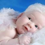 """Bebê platinado: """"Fiquei surpresa, pois somos negros"""", diz mãe"""