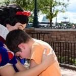 Mãe agradece à Branca de Neve que tranquilizou filho autista
