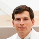 Estudante de medicina à beira da morte descobre solução para a própria doença