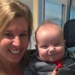 Enfermeira adota bebê que conheceu na UTI