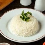 Conheça o método mais saudável para cozinhar arroz