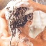 Quantas vezes por semana deve lavar o cabelo?