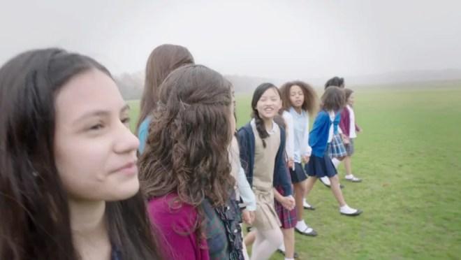 映画「ガール・ライジング/Girl Rising」でのモンタージュ技法の解説ビデオ