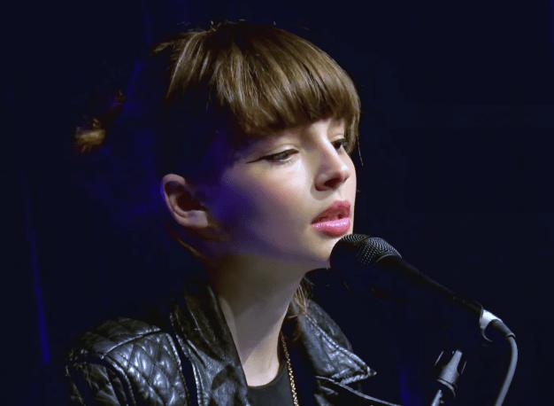 Chvrches ボーカルのローレン・メイベリーがめっちゃ可愛い
