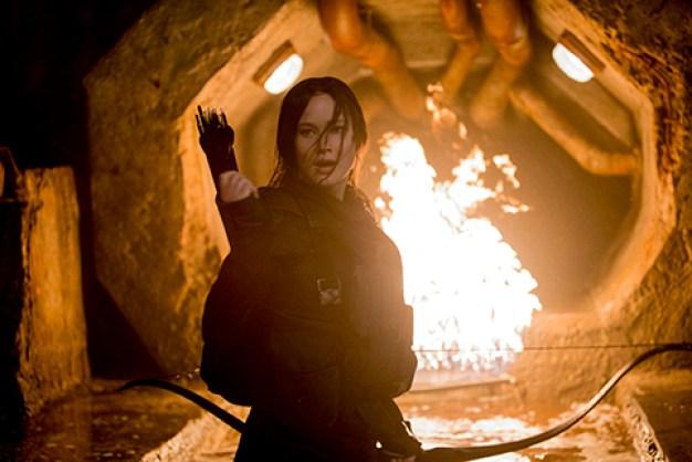 Katniss Everdeen, en Rosa Luxembourg med pil og bue? Foto: FIlmweb