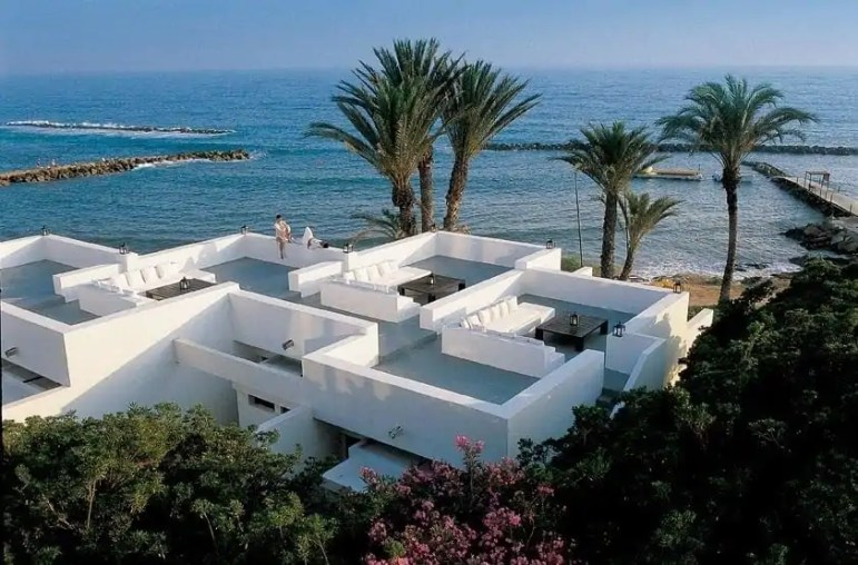 het-almyra-hotel-in-cyprus-2