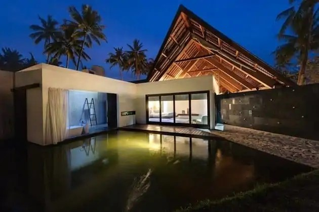 Tropical-Indonesia-Villa-Sapi-by-David-Lombardi-1