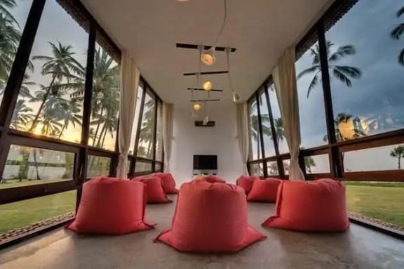 Tropical-Indonesia-Villa-Sapi-by-David-Lombardi-11