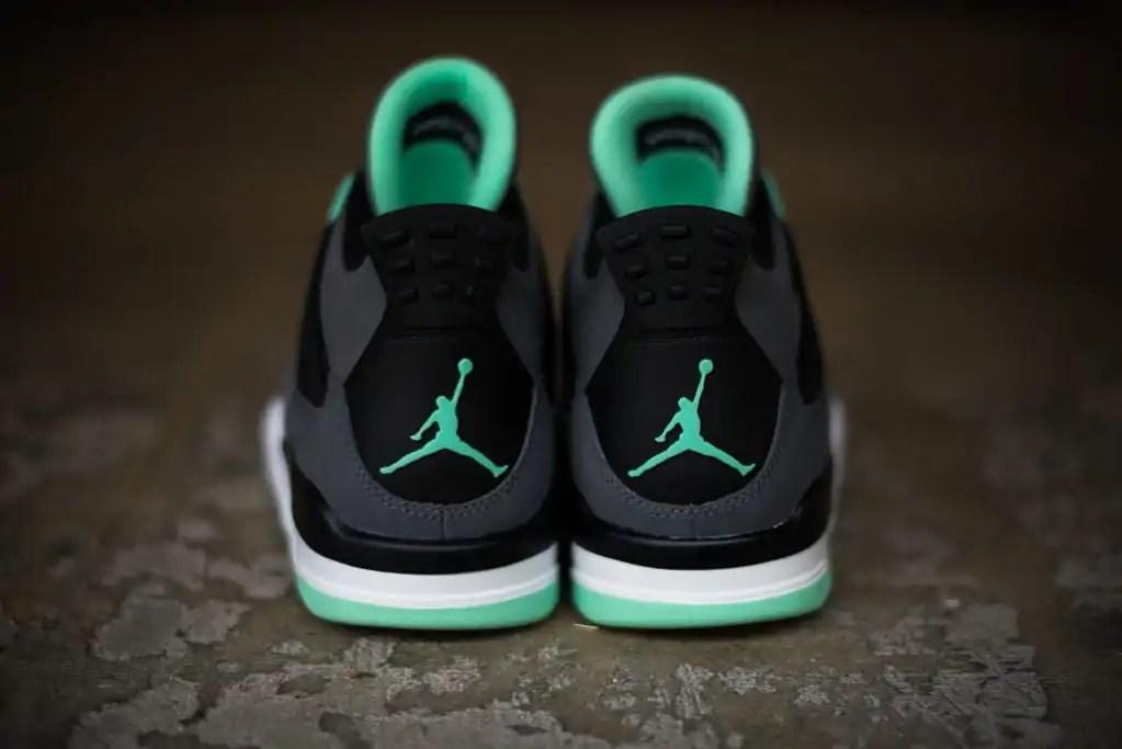 nike-air-jordan-4-retro-green-glow-4
