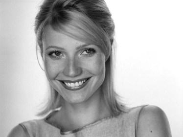 Gwyneth Paltrow - firsthdwallpapers.com