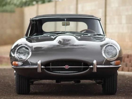 Jaguar-E-Type-Series-1-9