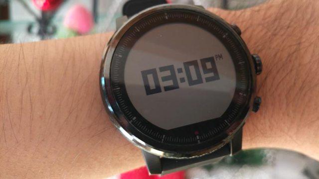 Amazfit-Stratos-Long-term-review-watch-face-digital-