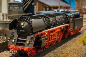 Modelleisenbahn Reparatur Lokwerk