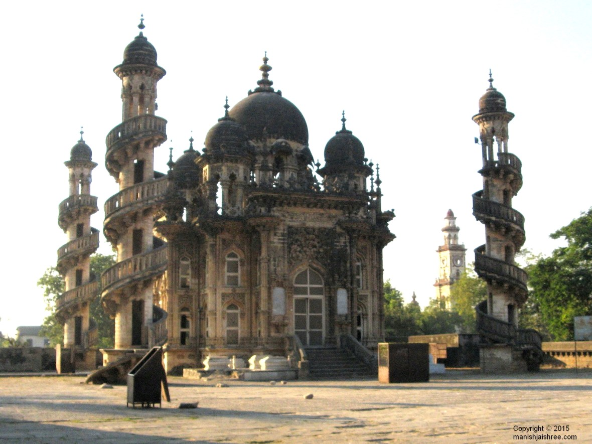 The tomb of Vazir Bahauddin Bhar, Junagarh