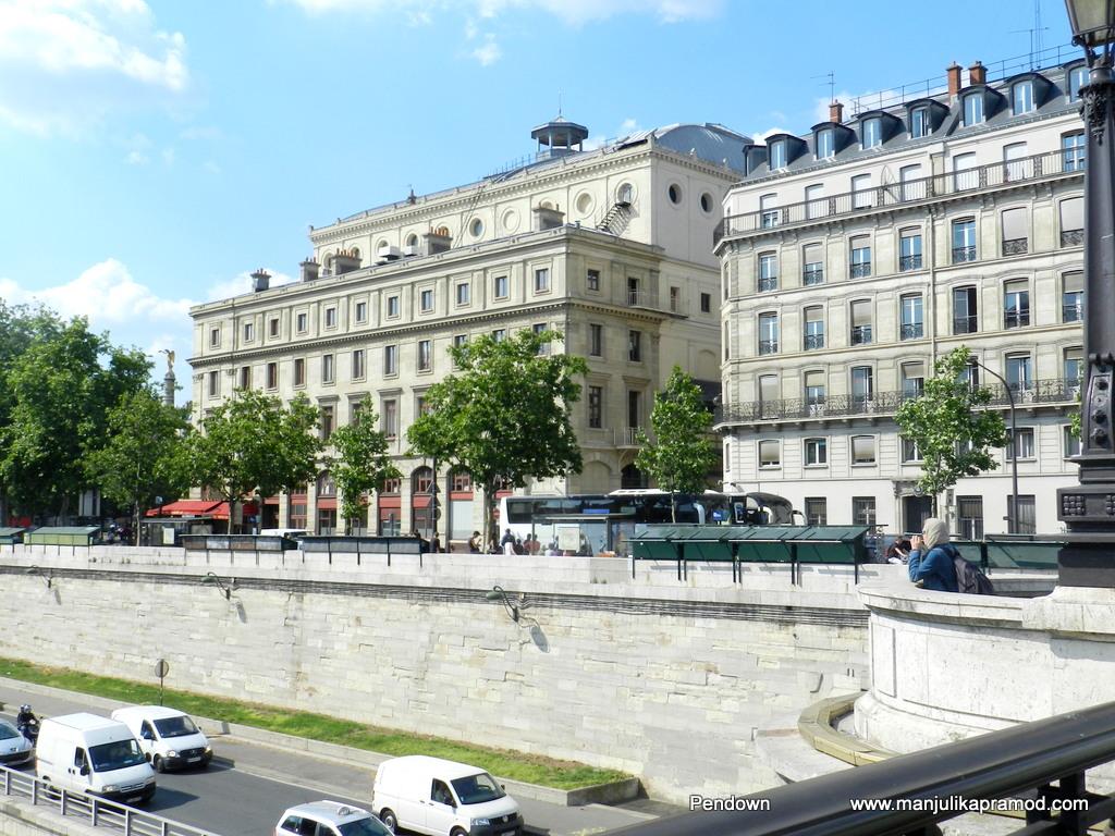 Neoclassical buildings of Paris