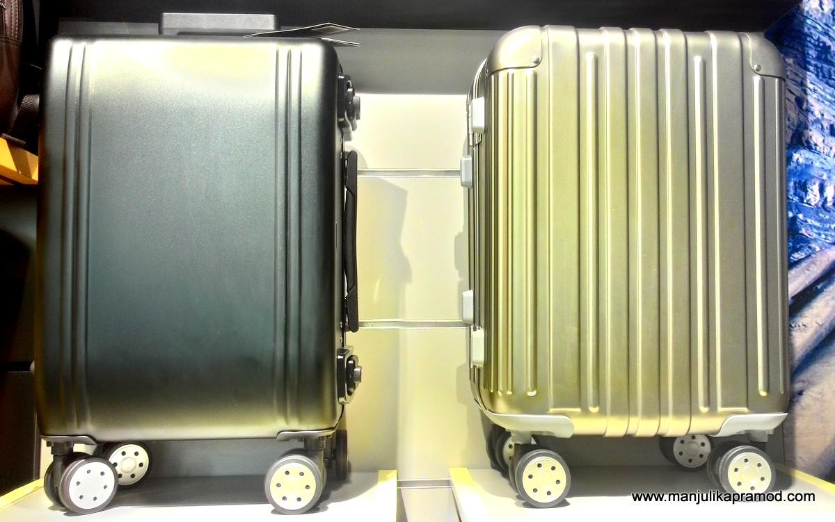 Luggage, Greystone, Bags, Travel blogger