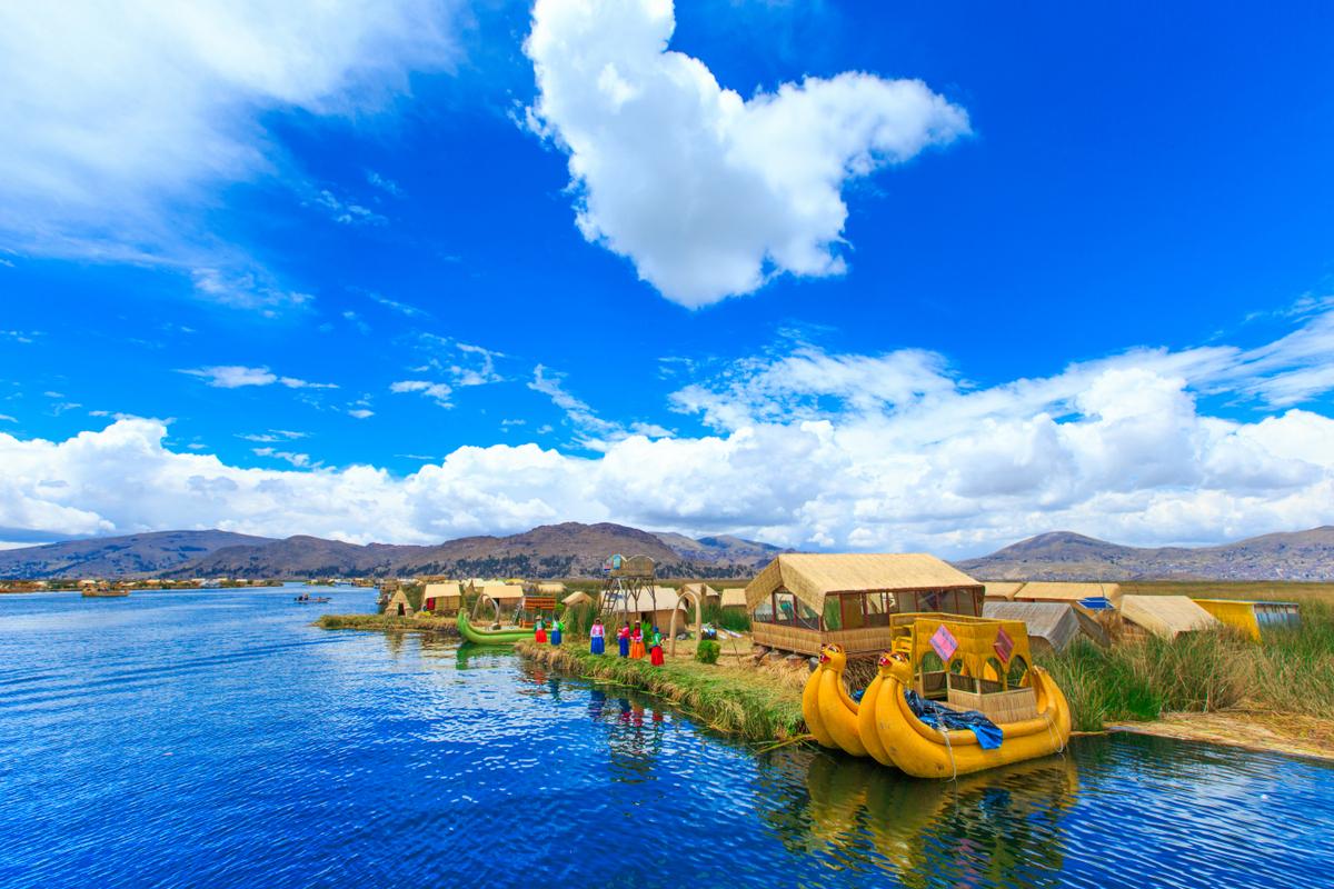 Totora boat, Titicaca lake , Peru