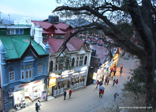 Who doesn't love the mall road of Shimla?