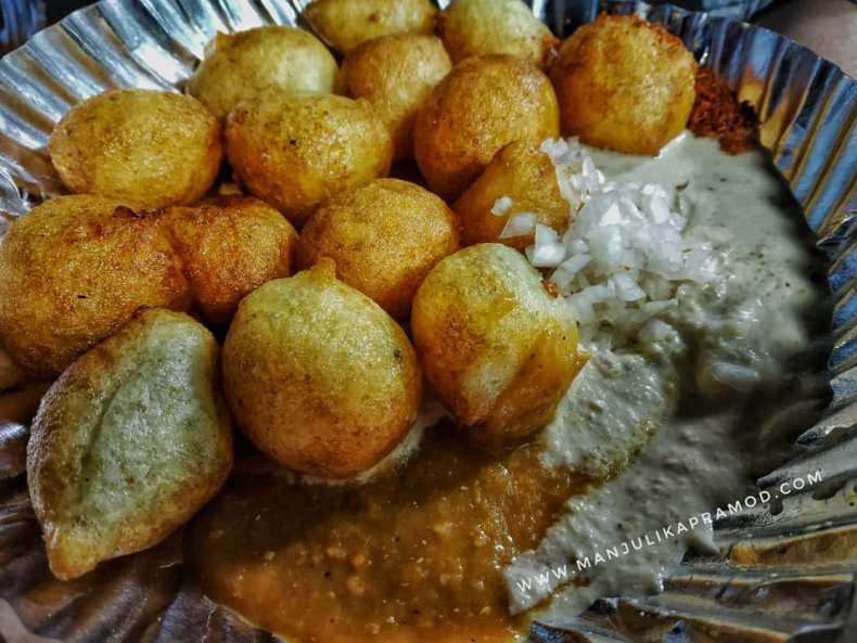 Mysore Bajji with Onions