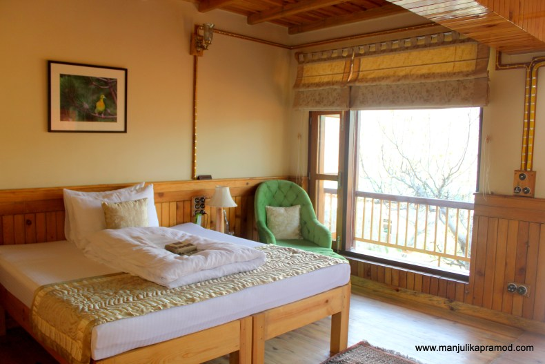 The review of Parvada Bungalows. How are the rooms there?