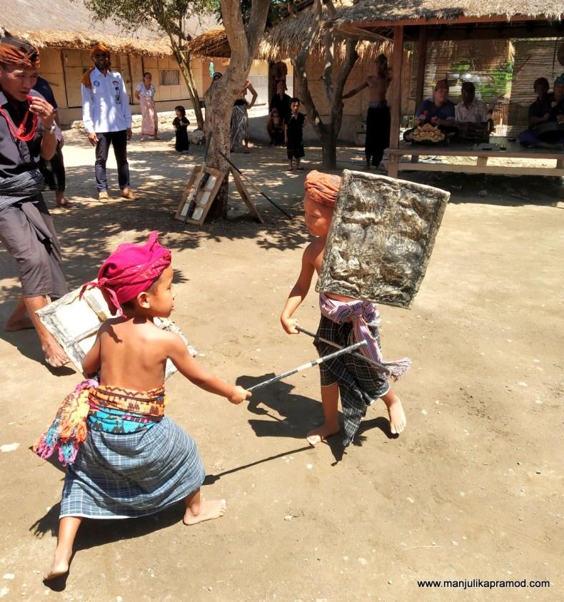 Kids doing Peresean dance