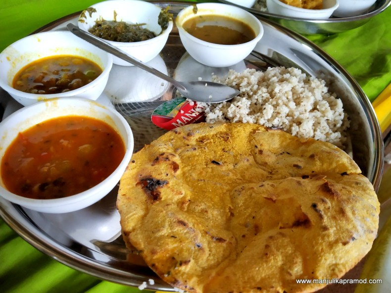Makke ki roti and saag - Chhindwara