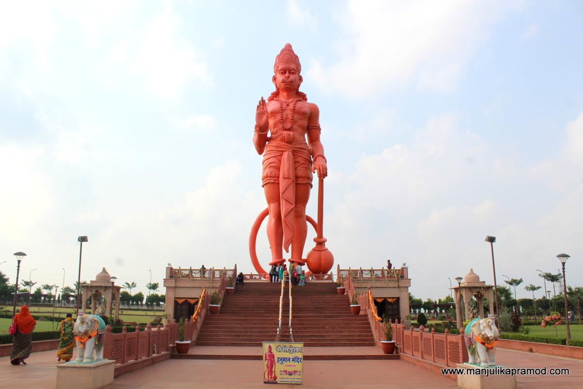 A huge Hanuman Idol