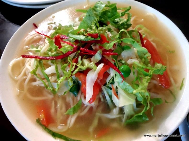 What to eat in Majnu ka Tilla?