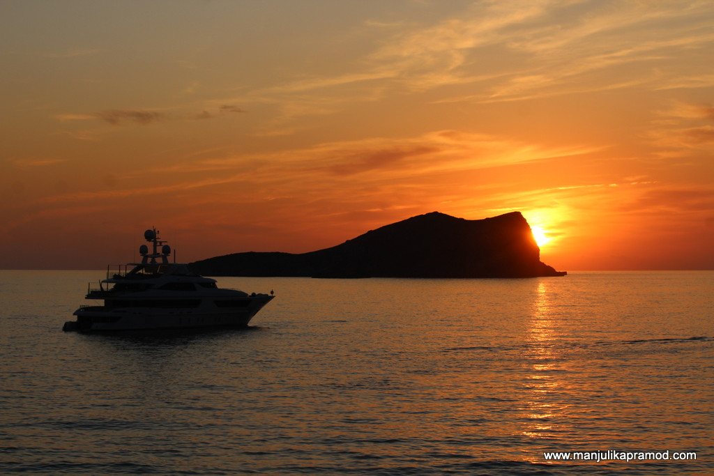 Arm chair travel - Sunset in Ibiza