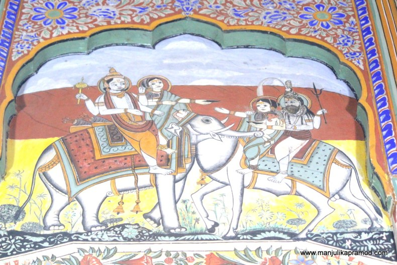 Here I bring the frescoes of Shekhawati to your room!
