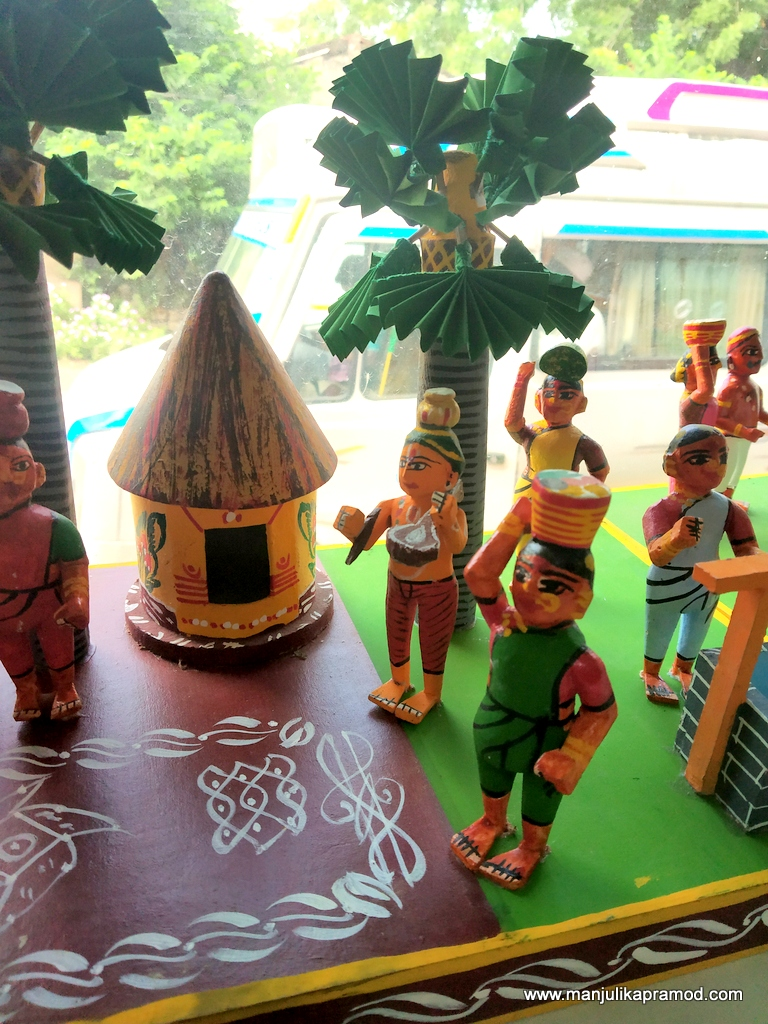 Kondapalli toys showing local life