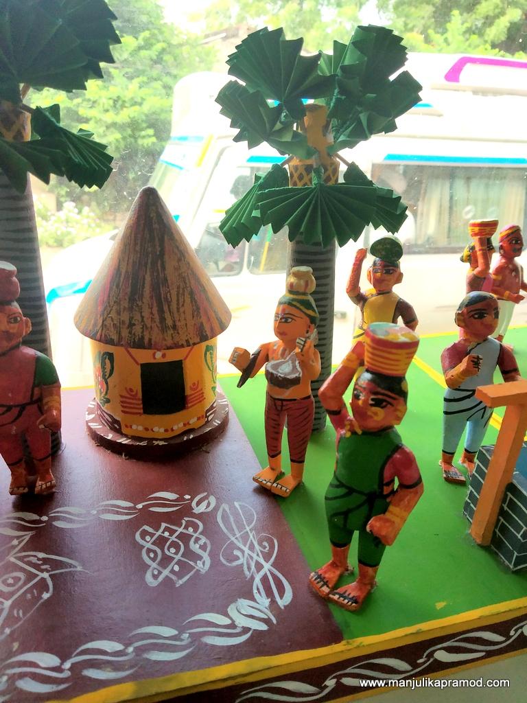 Kondapalli toys showing local life