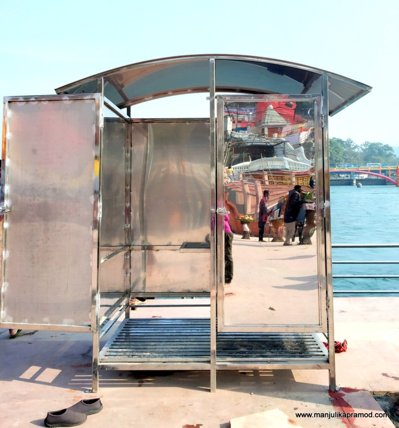 Changing rooms in Haridwar