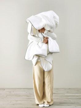 Täytemateriaalien mukaan jaettu mallisto tarjoaa sopivan vaihtoehdon jokaiselle nukkumistyylille.
