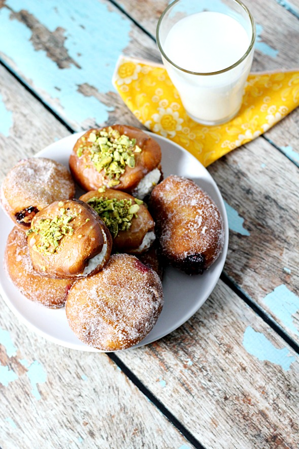 Paczki (Polish Yeast Doughnuts)7www.mannaandspice.com