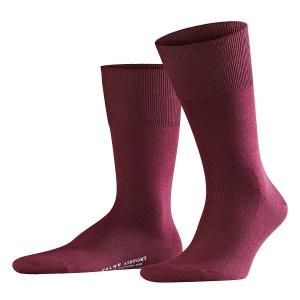 Falke airport sokken in wijnrode kleur.