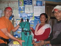 Un brancard pour le dispensaire de Simjung