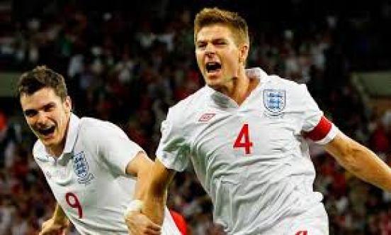 El incombustible Gerrard celebra el gol que dio el billete a Brasil Foto: larepublica.pe