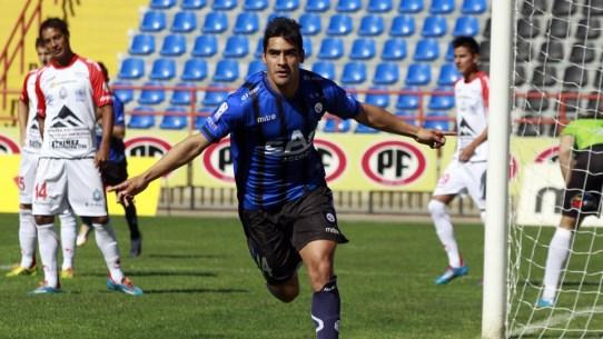 D. Llanos celebra un gol con Huachipato Foto: ferplei.com