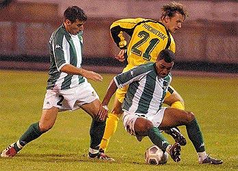 Denilson y Luis Fernández en acción