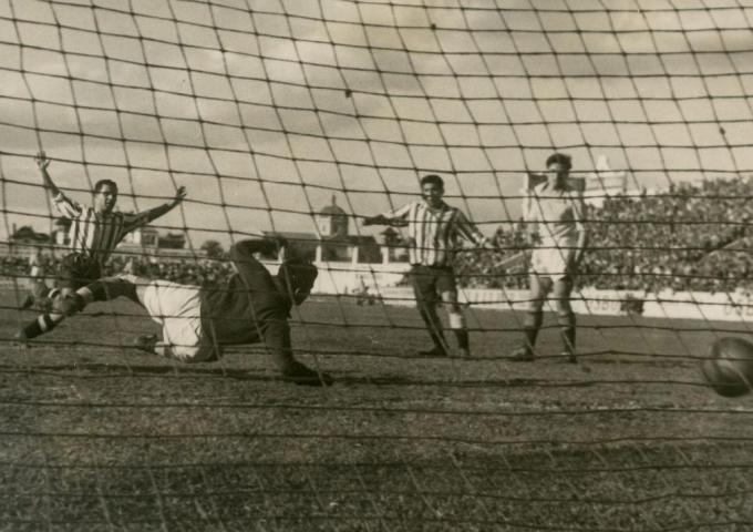 Betis-Córdoba Liga 1946 Pineda marca
