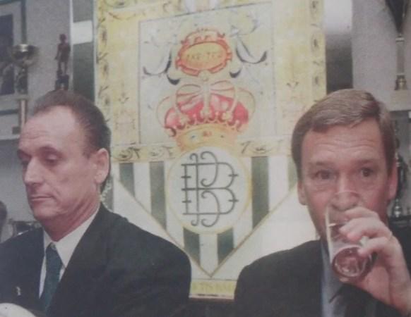 Hoy hace 22 años. Javier Clemente sustituye a Vicente Cantatore al frente del Betis.