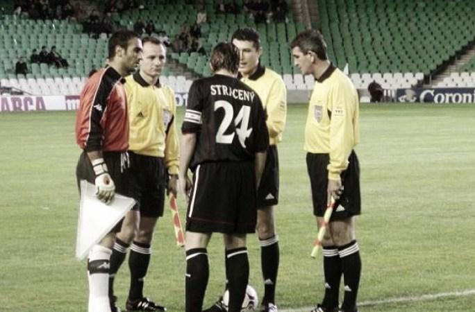 Hoy hace 18 años. Betis 3 Viktoria Zizkov 0 en Uefa.